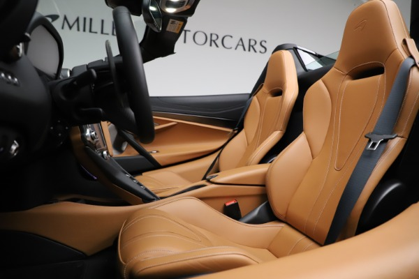 New 2020 McLaren 720S SPIDER Convertible for sale $374,830 at Alfa Romeo of Westport in Westport CT 06880 24