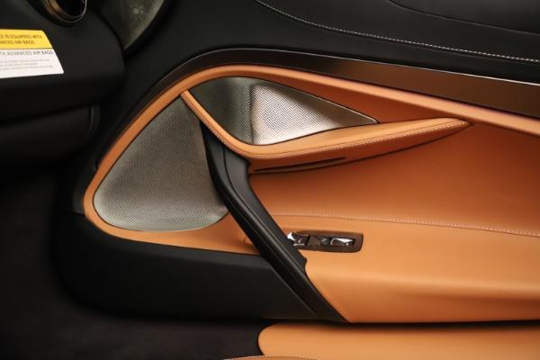 New 2020 McLaren 720S Spider for sale $372,250 at Alfa Romeo of Westport in Westport CT 06880 12