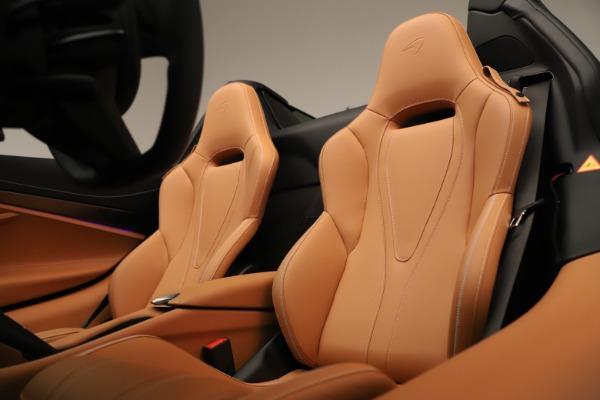 New 2020 McLaren 720S Spider Convertible for sale $372,250 at Alfa Romeo of Westport in Westport CT 06880 16