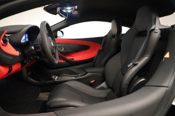 New 2019 McLaren 600LT Coupe for sale $278,790 at Alfa Romeo of Westport in Westport CT 06880 21