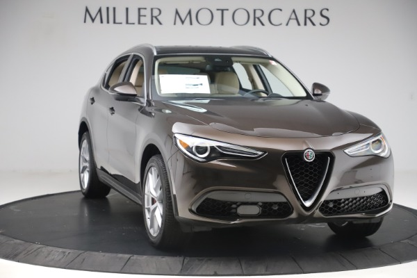 New 2019 Alfa Romeo Stelvio Ti Lusso Q4 for sale Sold at Alfa Romeo of Westport in Westport CT 06880 11
