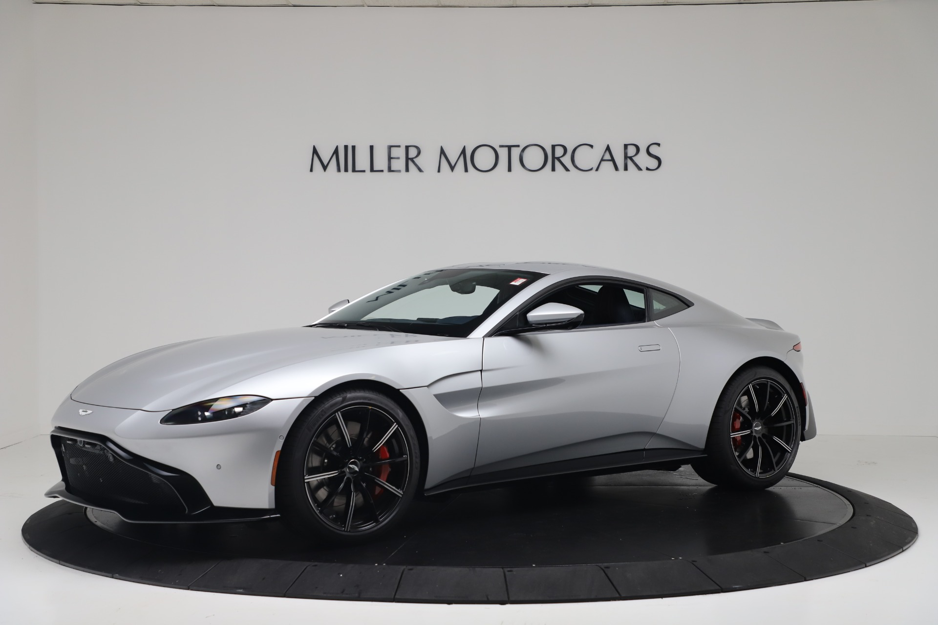 New 2020 Aston Martin Vantage Coupe for sale $207,072 at Alfa Romeo of Westport in Westport CT 06880 1