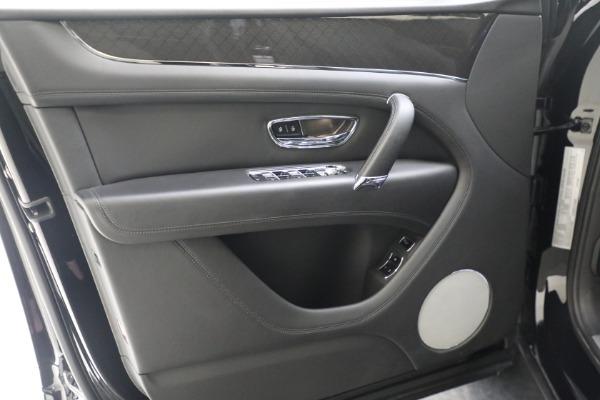 New 2020 Bentley Bentayga V8 Design Series for sale $216,860 at Alfa Romeo of Westport in Westport CT 06880 19