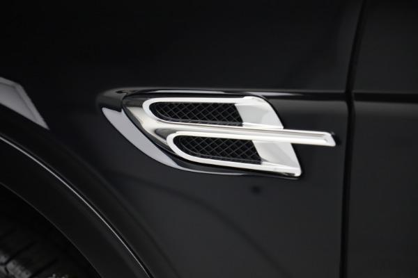 New 2020 Bentley Bentayga V8 for sale $181,250 at Alfa Romeo of Westport in Westport CT 06880 16