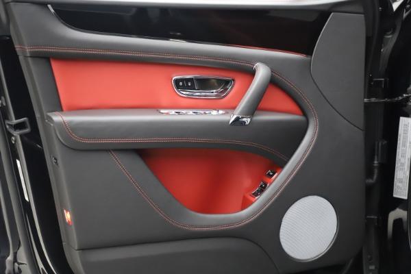 New 2020 Bentley Bentayga V8 for sale $181,250 at Alfa Romeo of Westport in Westport CT 06880 17