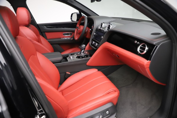 New 2020 Bentley Bentayga V8 for sale $181,250 at Alfa Romeo of Westport in Westport CT 06880 25