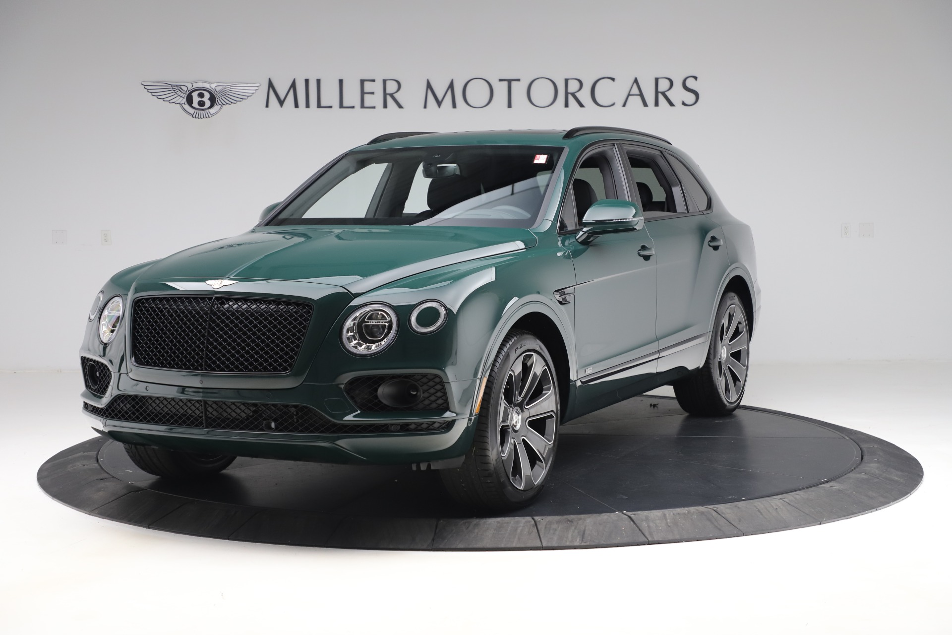 New 2020 Bentley Bentayga V8 Design Series for sale $223,015 at Alfa Romeo of Westport in Westport CT 06880 1