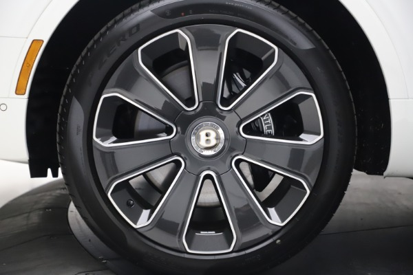 New 2020 Bentley Bentayga V8 Design Series for sale $216,860 at Alfa Romeo of Westport in Westport CT 06880 15
