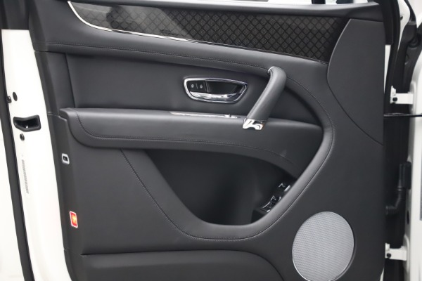 New 2020 Bentley Bentayga V8 Design Series for sale $216,860 at Alfa Romeo of Westport in Westport CT 06880 22