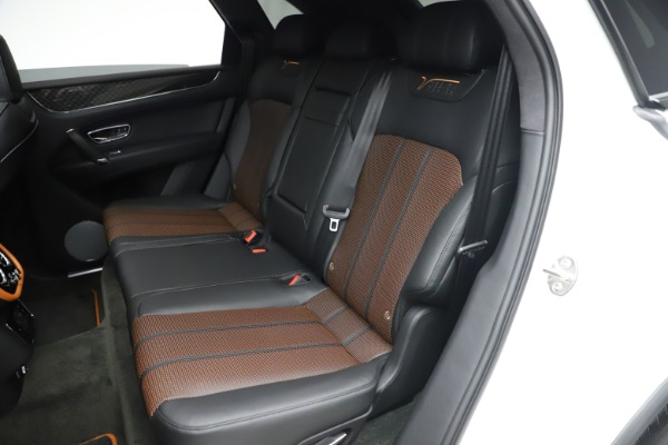 New 2020 Bentley Bentayga V8 Design Series for sale $216,860 at Alfa Romeo of Westport in Westport CT 06880 24