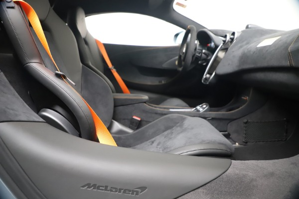 New 2019 McLaren 600LT Coupe for sale $311,619 at Alfa Romeo of Westport in Westport CT 06880 23