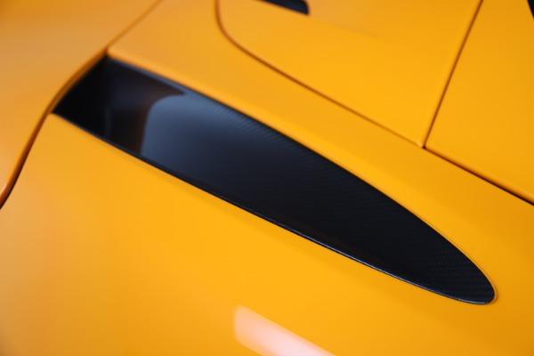 New 2020 McLaren 720S Spider Convertible for sale $374,440 at Alfa Romeo of Westport in Westport CT 06880 20