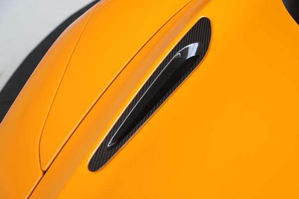 New 2020 McLaren 720S Spider Convertible for sale $374,440 at Alfa Romeo of Westport in Westport CT 06880 21