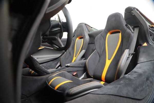New 2020 McLaren 720S Spider Convertible for sale $374,440 at Alfa Romeo of Westport in Westport CT 06880 26