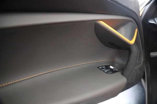 New 2020 McLaren 720S Spider Performance for sale $374,440 at Alfa Romeo of Westport in Westport CT 06880 27