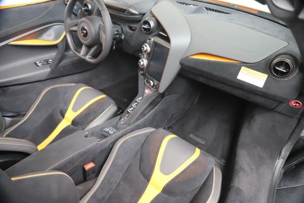 New 2020 McLaren 720S Spider Convertible for sale $374,440 at Alfa Romeo of Westport in Westport CT 06880 28