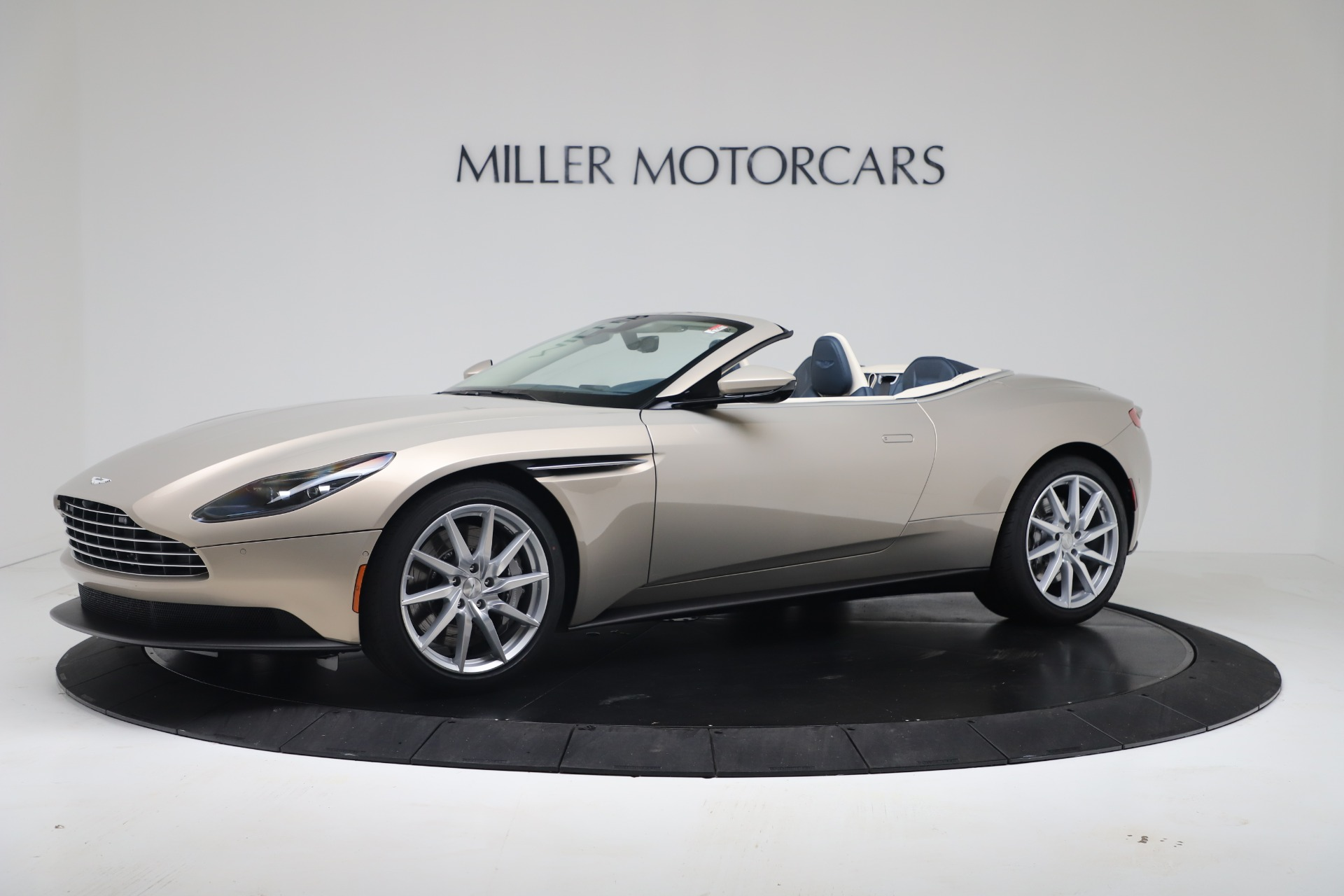 New 2020 Aston Martin DB11 Volante Convertible for sale $255,556 at Alfa Romeo of Westport in Westport CT 06880 1