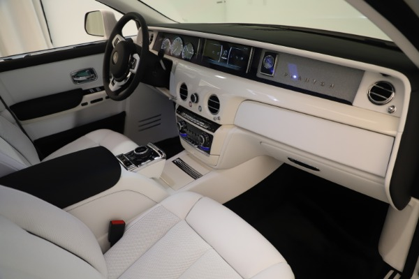 New 2020 Rolls-Royce Phantom for sale $545,200 at Alfa Romeo of Westport in Westport CT 06880 22