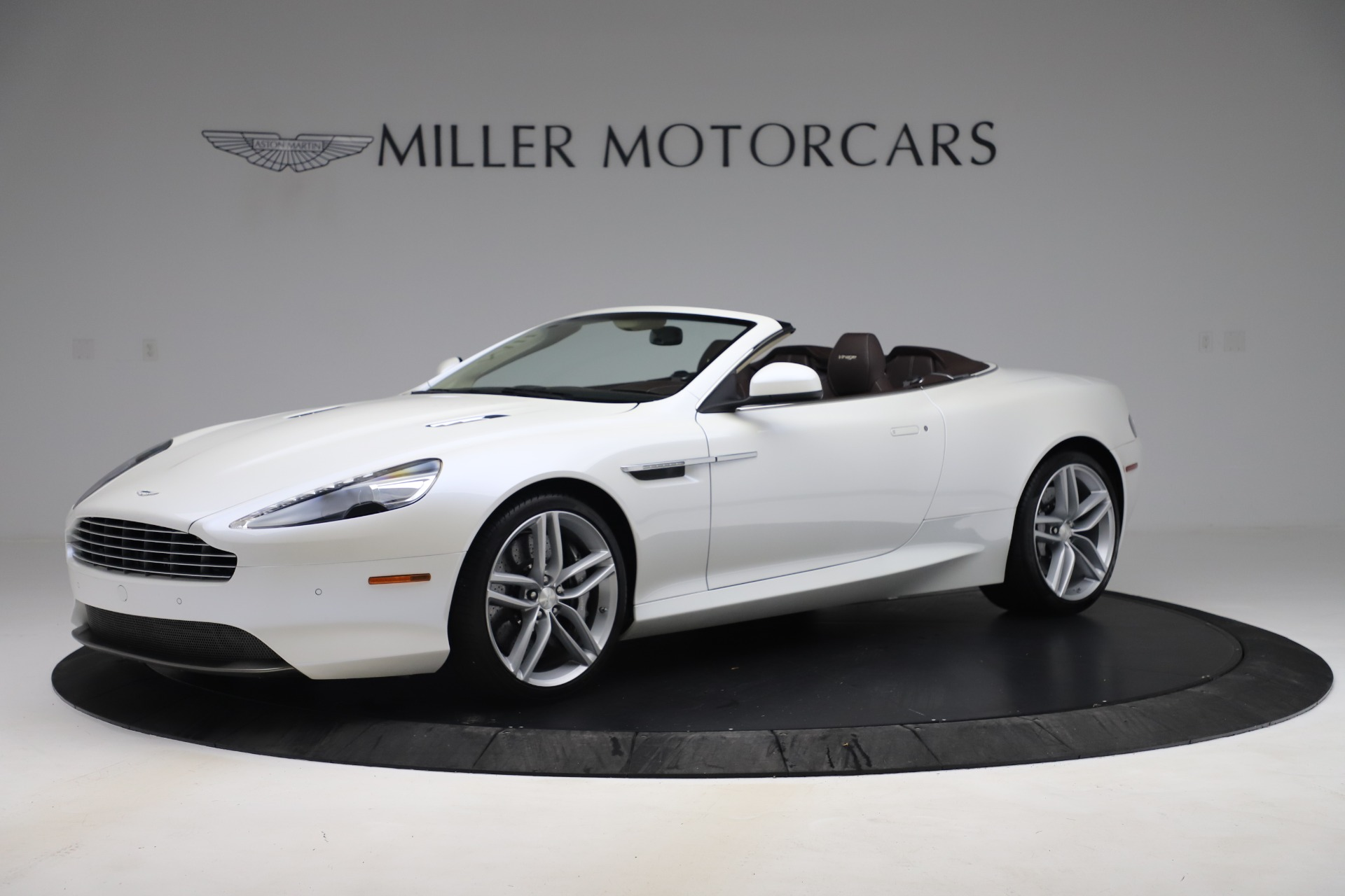 Used 2012 Aston Martin Virage Volante for sale $89,900 at Alfa Romeo of Westport in Westport CT 06880 1