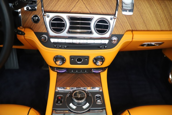 Used 2017 Rolls-Royce Dawn for sale $265,900 at Alfa Romeo of Westport in Westport CT 06880 28