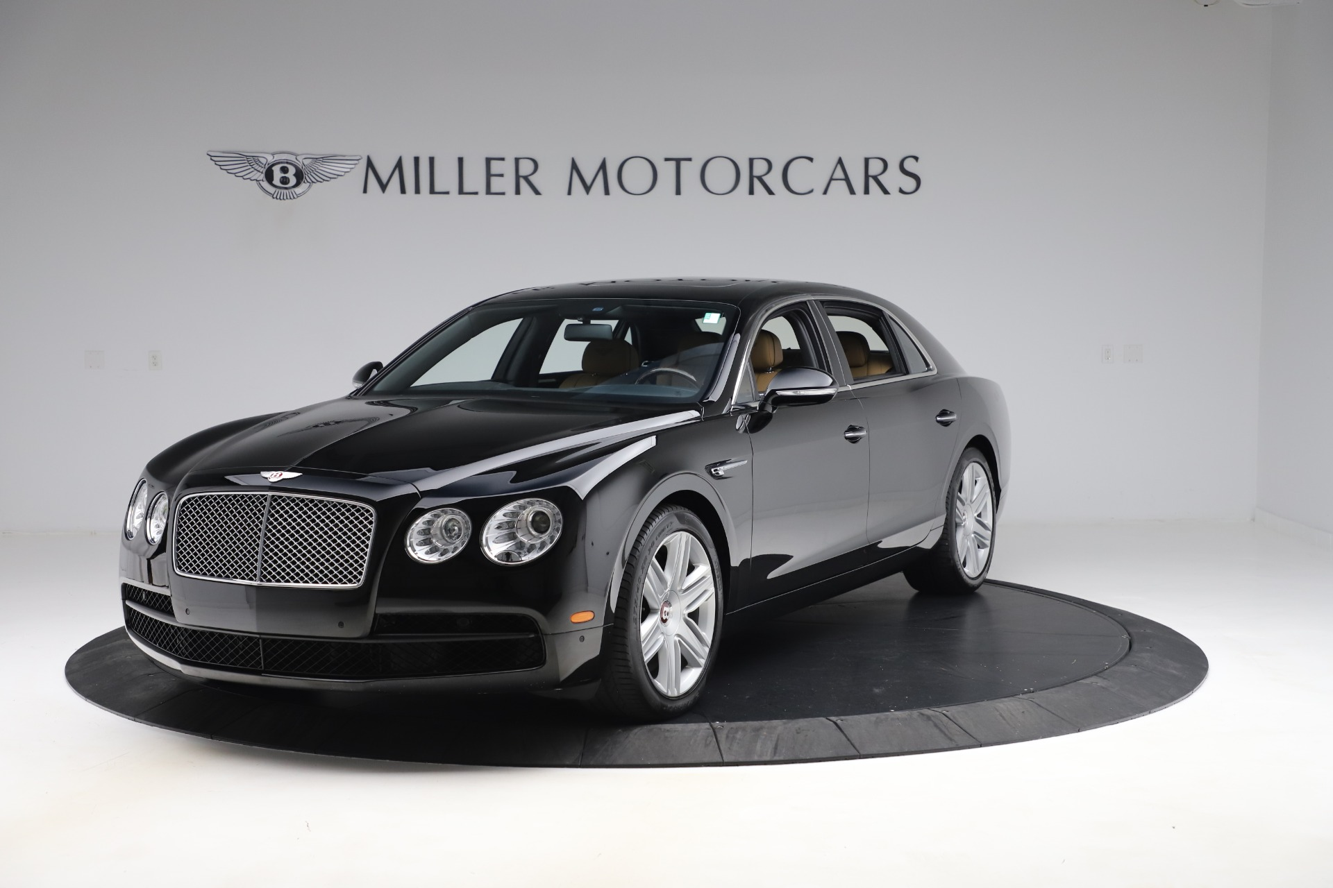 Used 2016 Bentley Flying Spur V8 for sale $119,900 at Alfa Romeo of Westport in Westport CT 06880 1