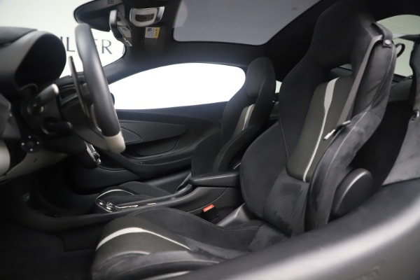 Used 2017 McLaren 570GT Coupe for sale $149,900 at Alfa Romeo of Westport in Westport CT 06880 16