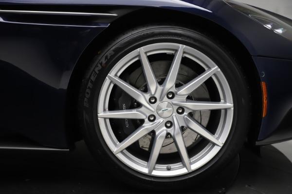 New 2020 Aston Martin DB11 Volante Convertible for sale $242,036 at Alfa Romeo of Westport in Westport CT 06880 28