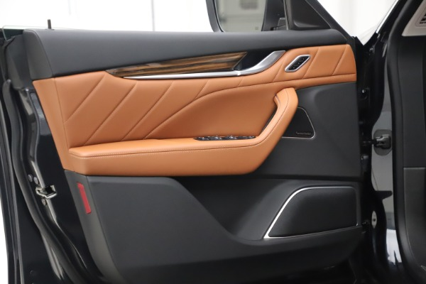 New 2019 Maserati Levante Q4 GranLusso for sale $89,550 at Alfa Romeo of Westport in Westport CT 06880 15