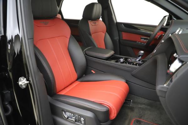 New 2020 Bentley Bentayga V8 for sale $195,265 at Alfa Romeo of Westport in Westport CT 06880 24