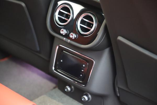 New 2020 Bentley Bentayga V8 for sale $195,265 at Alfa Romeo of Westport in Westport CT 06880 27