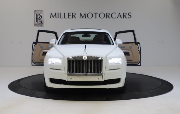 Used 2015 Rolls-Royce Ghost for sale Sold at Alfa Romeo of Westport in Westport CT 06880 13
