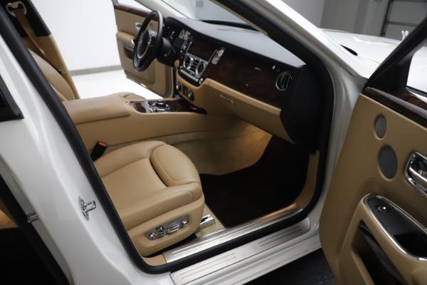 Used 2015 Rolls-Royce Ghost for sale Sold at Alfa Romeo of Westport in Westport CT 06880 24