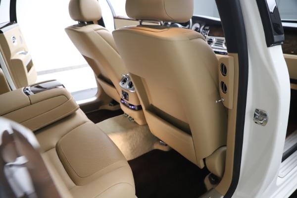 Used 2015 Rolls-Royce Ghost for sale Sold at Alfa Romeo of Westport in Westport CT 06880 25