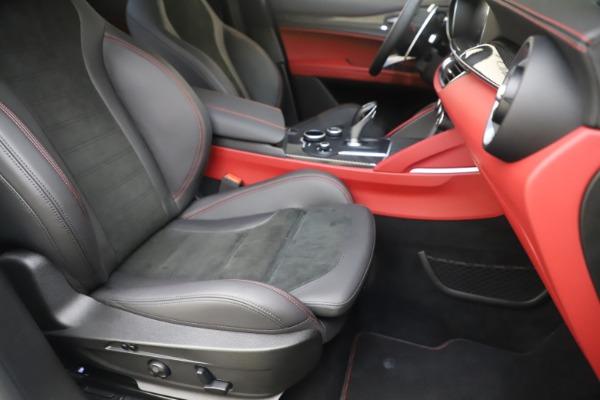 Used 2019 Alfa Romeo Stelvio Quadrifoglio for sale $68,000 at Alfa Romeo of Westport in Westport CT 06880 24