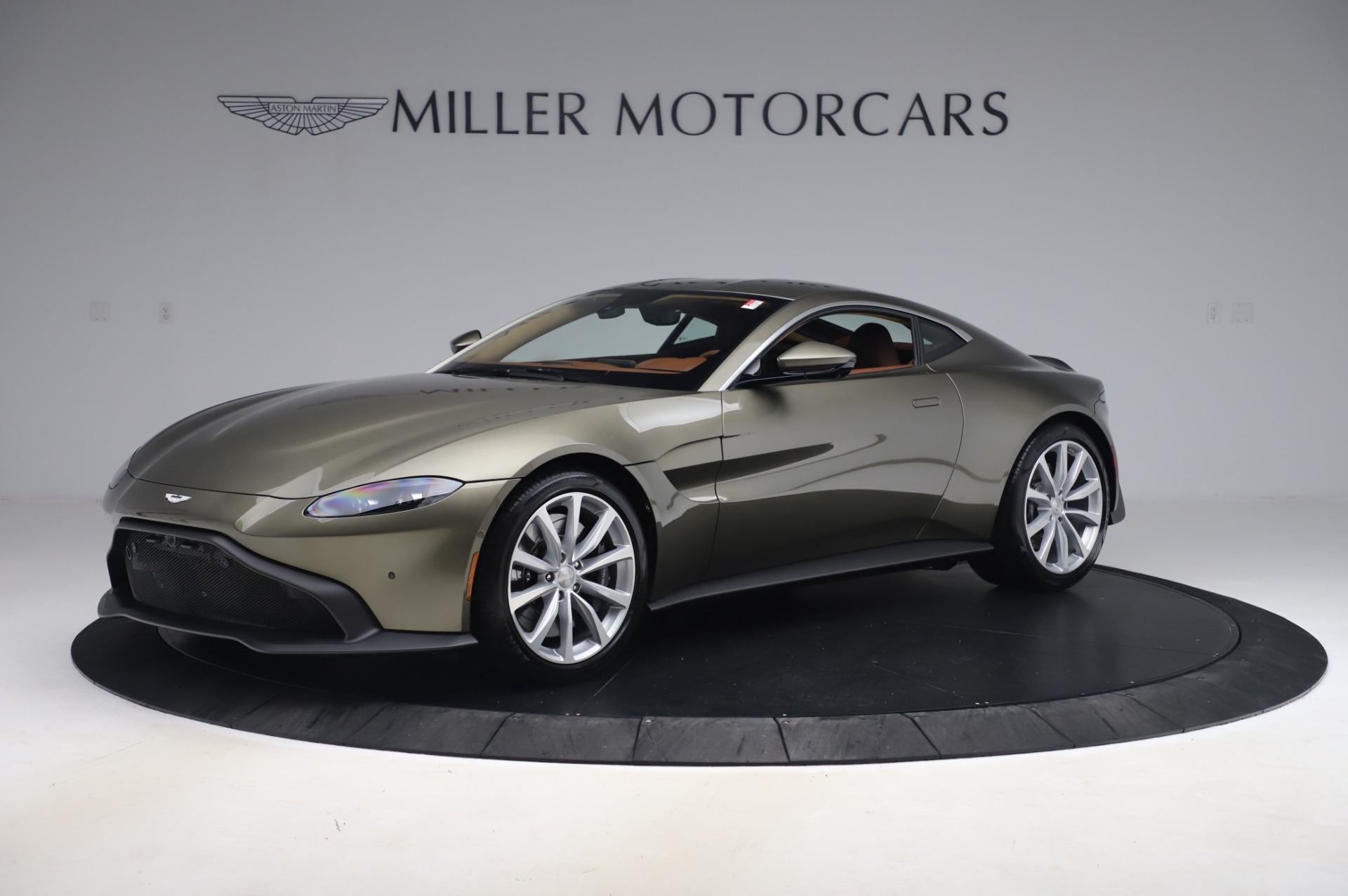 New 2020 Aston Martin Vantage Coupe for sale $180,450 at Alfa Romeo of Westport in Westport CT 06880 1
