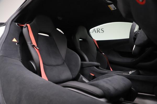 Used 2019 McLaren 600LT Coupe for sale $237,900 at Alfa Romeo of Westport in Westport CT 06880 16