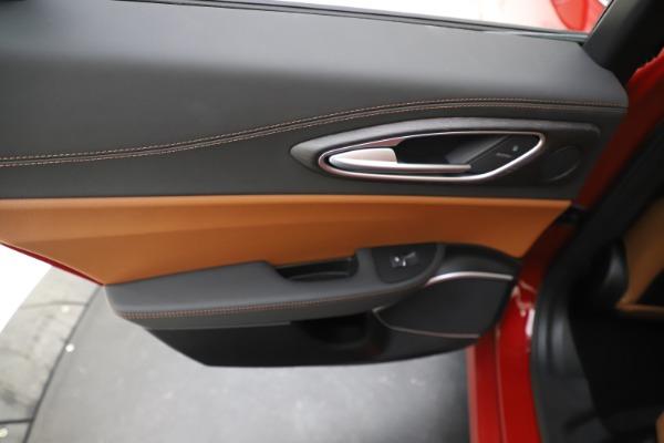 New 2019 Alfa Romeo Giulia Ti Lusso Q4 for sale $54,790 at Alfa Romeo of Westport in Westport CT 06880 21