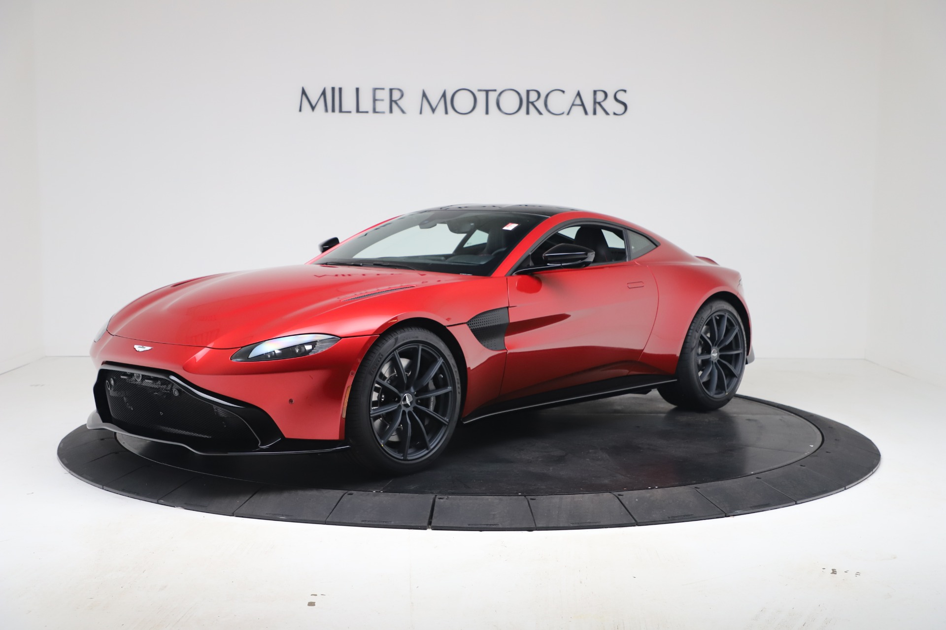 New 2020 Aston Martin Vantage Coupe for sale $195,089 at Alfa Romeo of Westport in Westport CT 06880 1