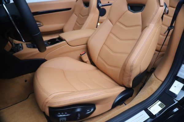 New 2019 Maserati GranTurismo Sport Convertible for sale $161,970 at Alfa Romeo of Westport in Westport CT 06880 21