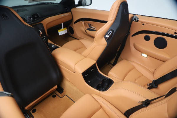 New 2019 Maserati GranTurismo Sport Convertible for sale $161,970 at Alfa Romeo of Westport in Westport CT 06880 25