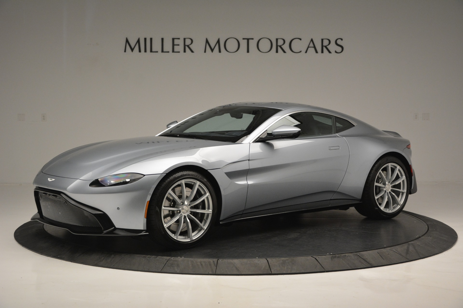 Used 2019 Aston Martin Vantage Coupe for sale $124,900 at Alfa Romeo of Westport in Westport CT 06880 1