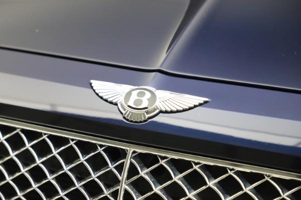 Used 2017 Bentley Bentayga W12 for sale $135,900 at Alfa Romeo of Westport in Westport CT 06880 14