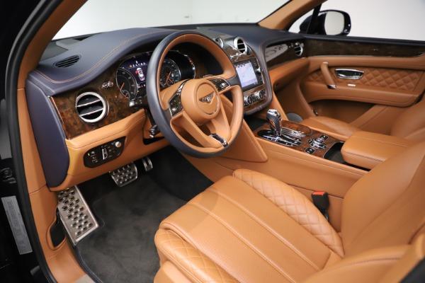 Used 2017 Bentley Bentayga W12 for sale $135,900 at Alfa Romeo of Westport in Westport CT 06880 18