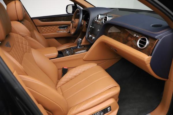 Used 2017 Bentley Bentayga W12 for sale $135,900 at Alfa Romeo of Westport in Westport CT 06880 26