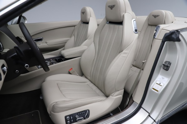 Used 2015 Bentley Continental GTC V8 for sale $114,900 at Alfa Romeo of Westport in Westport CT 06880 28