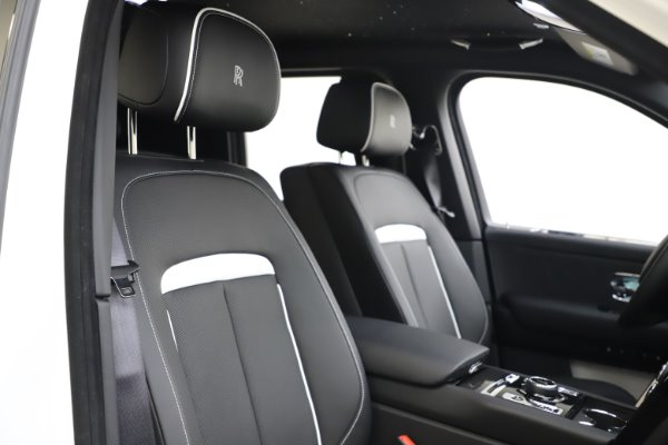New 2020 Rolls-Royce Cullinan Black Badge for sale $451,625 at Alfa Romeo of Westport in Westport CT 06880 11