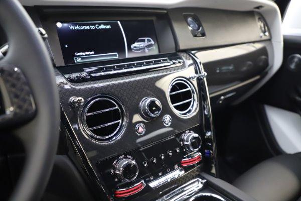 New 2020 Rolls-Royce Cullinan Black Badge for sale $451,625 at Alfa Romeo of Westport in Westport CT 06880 18