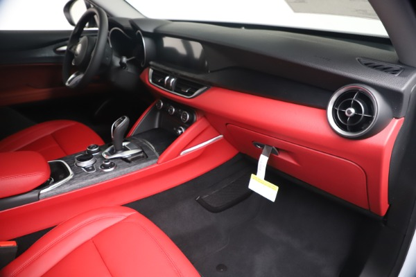 New 2020 Alfa Romeo Stelvio Sport Q4 for sale Call for price at Alfa Romeo of Westport in Westport CT 06880 22