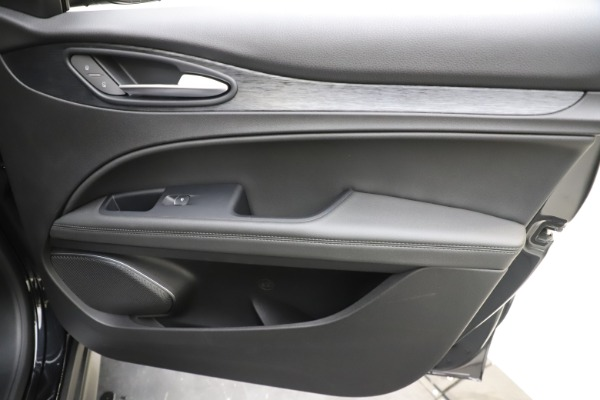 New 2020 Alfa Romeo Stelvio Q4 for sale $49,840 at Alfa Romeo of Westport in Westport CT 06880 25