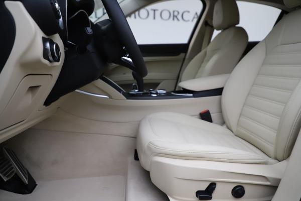 New 2020 Alfa Romeo Stelvio Ti Lusso Q4 for sale $55,790 at Alfa Romeo of Westport in Westport CT 06880 14